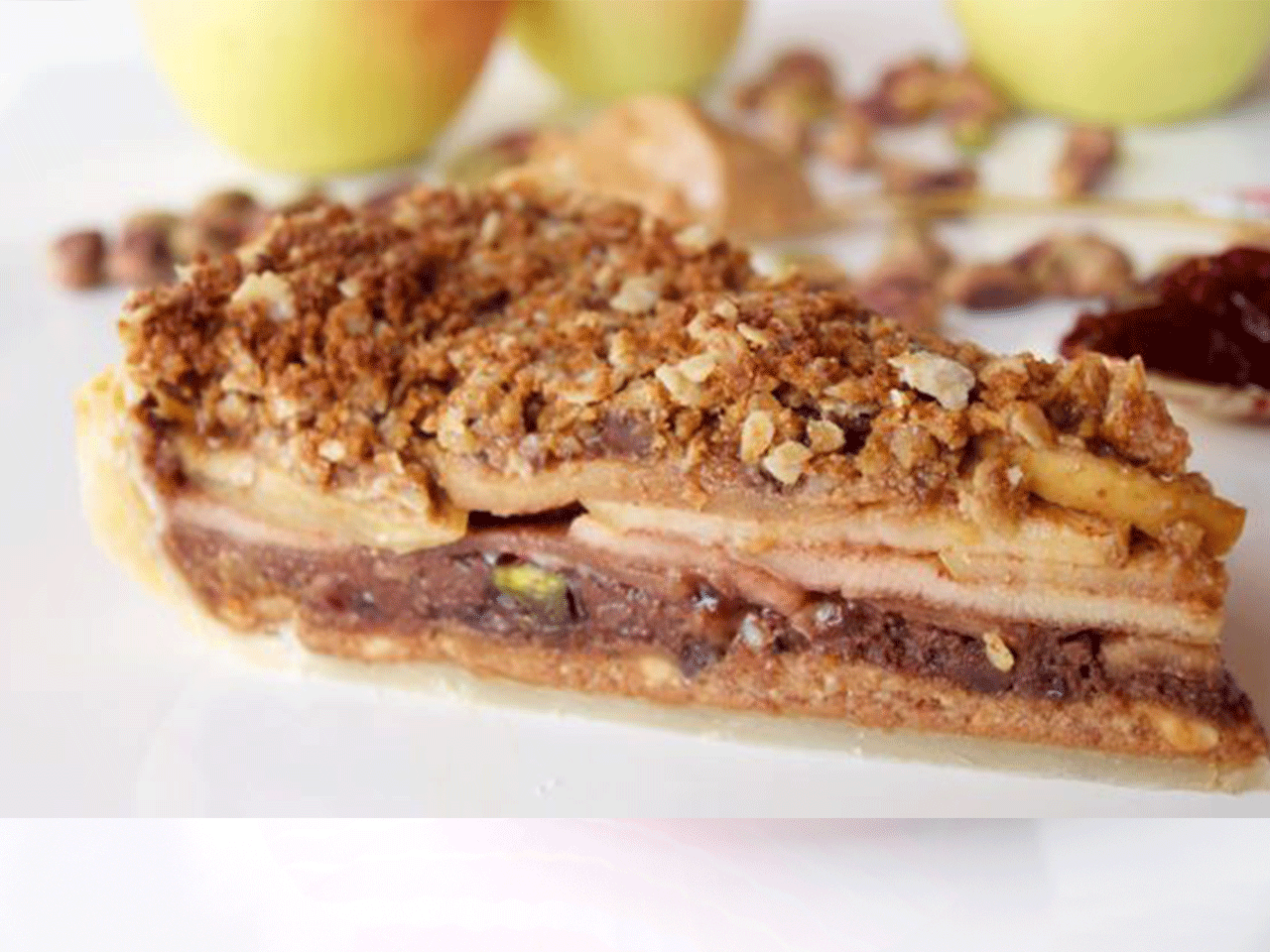 5-Layer Peanut Butter, Jam and Pistachio Apple Crumble Pie